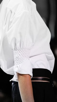 Ruched sleeve detail adds a fresh spin to a classic white shirt - Haider Ackermann Spring 2017 Ready-to-Wear collection Fashion Week, Fashion 2017, Love Fashion, Fashion Show, Fashion Tips, Fashion Trends, Paris Fashion, Womens Fashion, College Fashion