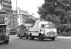 https://flic.kr/p/rDDSko | 735 LL | Leyland Mastiff The Dove Group Hyde Park Corner 1973