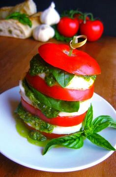 Looks so delicious! I can't wait to make this with fresh basil!