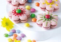Shortbread flowers with Smarties Good Food, Yummy Food, Shortbread, Cupcake, Potatoes, Menu, Cookies, Cookie Monster, Flowers