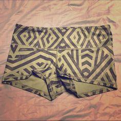 """Lululemon yoga shorts Sz-6 Lululemon boogy down shorts size 6.    2"""" inseam lululemon athletica Shorts"""