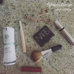 Crema Facial de Día Nerium. La experta para usar con maquillaje.  Adquiérela en ImagenMerida.Nerium.com