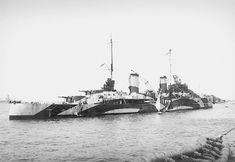 1942 by Japanese warships (Destroyer Squadron during the Battle of the Sunda Strait. Uss Houston, Australian Defence Force, Royal Australian Navy, Navy Man, East Indies, Navy Ships, Submarines, Royal Navy, Battleship