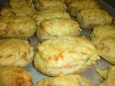 dianitas cooking: Potatoes stuffed with bacon and cheese in the oven ! Food Network Recipes, Food Processor Recipes, Cooking Recipes, Love Eat, Love Food, Veggie Dishes, Food Dishes, Greek Recipes, Diy Food