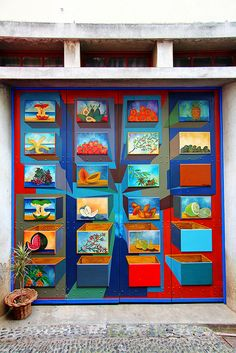 The painted doors of Old Funchal, Madeira (20)