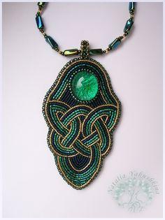 Кельтский кулон | biser.info - всё о бисере и бисерном творчестве