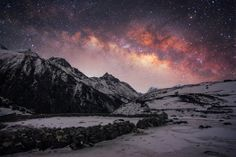 Hidden Village Photo by Max Slastnikov Nepal, Everest region, Amazing view of Milky-Way in Dole. Dole is a small village in the Khumbu region of Nepal. It lies in the Dudh Kosi River valley just north of Khumjung and south of Machhermo at an altitude of National Geographic Photo Contest, National Geographic Travel, Mountains At Night, Wow Photo, Village Photos, Photo Competition, Simple Photo, Stars At Night, Photo Location