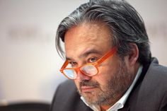 Rewe-Chef Alain Caparros sieht die Grenzen zwischen Supermärkten und Discountern verschwimmen. Kleineren Ketten räumt er kaum Chancen ein – vor allem wenn Edeka und Kaiser's Tengelmann fusionieren.