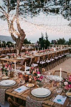24 Unique Wedding Lighting Ideas When choosing lighting for your wedding reception and wedding ceremony, it's important to select lights that will both beautifully illuminate your wedding and serve as killer decoration Wedding Ceremony Ideas, Wedding Reception Decorations, Wedding Tips, Wedding Centerpieces, Wedding Bride, Diy Wedding, Wedding Events, Rustic Wedding, Wedding Planning