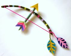 cirkus so I'm not a fan of kids playing with guns but I could totally take them playing with handmade bows and arrows.simply because of how presshh! Fun Crafts, Diy And Crafts, Arts And Crafts, Diy For Kids, Crafts For Kids, Indian Crafts, Cowboys And Indians, Bow Arrows, Diy Bow