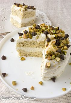 Whatever the season, cake is the ultimate dessert! These cakes are special in that many are made in minutes in your microwave, although oven instructions are also provided for you. Some are single servings and some serve a few more, but all are gluten free, made without sugar and low carb too!Brenda Bennett is [...]