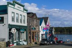 The 20 Best Small Towns to Visit According to the Smithsonian