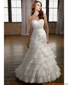 Boutique robe de mariée sans bretelle col en cœur décorée de volonté organza