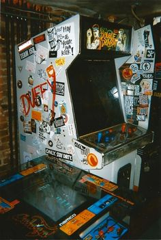 """""""Bring back the arcade!"""" Old Double Dragon cabinet. Eleven Paris, Aesthetic Collage, Aesthetic Vintage, Photo Wall Collage, Picture Wall, Nate River, 8bit Art, Flipper, Grunge Photography"""