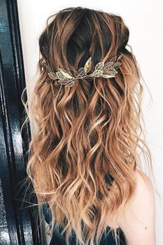 35 Boho Inspired Unique And Creative Wedding Hairstyle, Peinados, 35 Boho Inspired Unique And Creative Wedding Hairstyle – My Stylish Zoo Crown Hairstyles, Loose Hairstyles, Hairstyles 2016, Bridal Hairstyles, Unique Hairstyles, Boho Wedding Hair, Loose Curls Wedding, Wedding Hairstyles For Long Hair, Bohemian Wedding Hairstyles