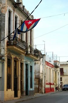 The short-term Spanish courses for foreigners at the University of Havana is a perfect choice for you to experience Cuba from within and improve your Spanish Cuba Travel, Spain Travel, Beach Travel, Mexico Travel, Cancun Hotels, Beach Hotels, Beach Resorts, Beach Trip, Hawaii Beach