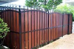 Cheap Fence Ideas - Bing Images (Patio Step Privacy Screens)