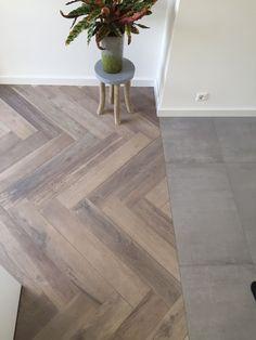 Diy Flooring, Parquet Flooring, Kitchen Flooring, Floors, Pose Parquet, Living Styles, Interior Styling, Home Remodeling, Living Room Designs