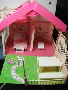 OMG I used to have this when I was little!     1992 Barbie Fold 'N Fun Foldable Portable Doll House   eBay