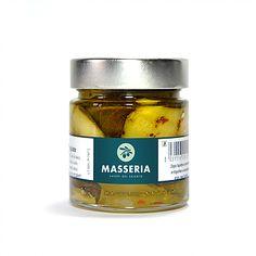 Eine sorgfältige Auswahl der besten Gemüsesorten in Extra Vergine Olivenöl eingelegt, macht diese besondere Selektion zu einer schmackhafter Reise durch verschiedenste Düfte und Aromen des Salento. Hier ist jede Zutat ein Genuss für alle Sinne. Die Farben der Paprika, die in der Hitze der Sonne  getrocknenten Tomaten und Zucchini, der Duft von Auberginen, Artischocken, kombiniert mit ausgelesenen Gewürzen ergibt diese einzigartigen Gaumenfreuden.  Passend als: Apéro, zu frischen Bruschetta… Bruschetta, Coconut Oil, Zucchini, Food, Artichokes, Eggplants, Red Peppers, Tomatoes, Natural Selection