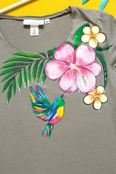 Hand painted Marsh Floral T-shirt with humming bird: Tropical Summer Fabric Colour Painting, Fabric Painting On Clothes, Fabric Paint Shirt, Paint Shirts, Dress Painting, T Shirt Painting, Painted Clothes, Fabric Art, Fabric Crafts