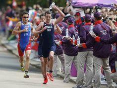 Gómez Noya consigue la plata en triatlón - RTVE.es  Nos inspira!  #hitachiaircon  http://hitachiaircon.es