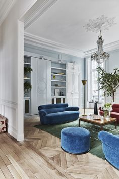 ideas home architecture classic interior design Beautiful Houses Interior, Beautiful Interiors, Classic Interior, Best Interior, Salon Art Deco, Blue And Green Living Room, Blue Green, French Style Decor, Parisian Style