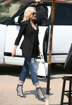 Gwen Stefani in the James Crop in Willa Destructed... - Celebrity Street Style