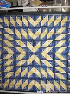 Log Cabin in a starburst set  Ann Arbor Quilt Show 2010