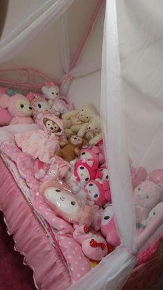 yanderelevifangirl ❀ Pastel Room, Pink Room, Pastel House, Cute Room Ideas, Cute Room Decor, Dream Rooms, Dream Bedroom, Room Ideas Bedroom, Bedroom Decor