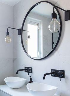 New bathroom white sink taps 62 Ideas Marble Bathroom, Black White Bathrooms, Black Wall Lights, Bathroom Faucets, Black Bathroom, Amazing Bathrooms, Bathroom Mirror, Black Bathroom Taps, Bathroom Accessories