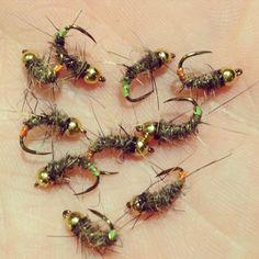 Hares ear grubs s16 #riverfishing #tiemco #tiemcohooks #flytying #troutflies…
