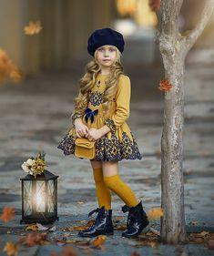 Little Girl Photos, Cute Little Girls Outfits, Little Girl Models, Little Kid Fashion, Little Dresses, Baby Girl Fashion, Toddler Outfits, Kids Outfits, Kids Fashion