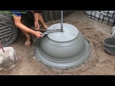 How To Construction A Bonsai Pot From Sand And Cement - Build Extremely Simple Concrete Pots Concrete Pots, Concrete Projects, Boundry Wall, Cement Art, Science And Technology, Bonsai, Construction, Simple, Building