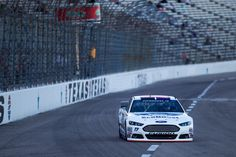 Stenhouse Jr. Finishes 26th at Texas