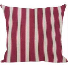 Um sofá precisa de almofadas confortáveis, não é mesmo? As almofadas mais indicadas pela Luisa Decor são as Almofadas listradas, pois se encaixam perfeitamente em qualquer estilo de decoração.