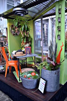 The Outlaw Gardener: Northwest Flower and Garden Show Part One: The Skybridge - Showcase ideas - Garden Nursery, Plant Nursery, Garden Show, Garden Art, Garden Center Displays, Garden Centre, Store Displays, Retail Displays, Visual Display