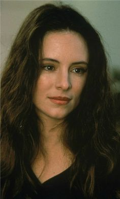 """Madeline Stowe - I loved her in the movies """"Revenge"""" with Kevin Costner. and China Moon with Ed Harris and Benicio Del Toro Madeleine Stowe, Classic Beauty, Timeless Beauty, Female Actresses, Actors & Actresses, Most Beautiful Women, Beautiful People, Divas, Hollywood"""