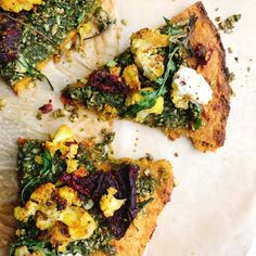 An easy to make sweet potato crust pizza with just a few ingredients that is gluten free and dairy free!