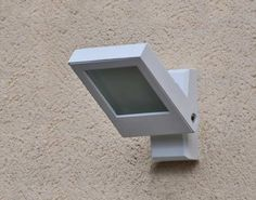 """Résultat de recherche d'images pour """"eclairage exterieur avec detecteur de mouvement"""""""