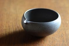 Spouted bowl by Kazu Oba