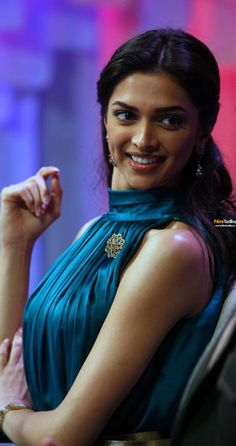 Deepika Padukone and her smile Deepika Padukone Latest, Deepika Padukone Style, Indian Celebrities, Bollywood Celebrities, Beautiful Bollywood Actress, Beautiful Actresses, Indian Film Actress, Indian Actresses, Deeps