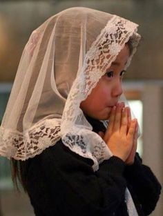 Japan: catholic girl in present day - gloria. Madonna, Catholic Veil, Lords Supper, In Remembrance Of Me, Chapel Veil, Lace Veils, Jesus Christ, Beautiful, Religion