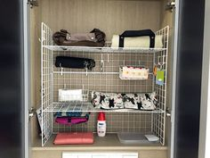 Improve the corridor storage at Singapore's residence with Daiso's wire net and collect bags etc together Daiso, Tv Storage, Plastic Laundry Basket, Shoe Rack, Foyer, Entryway, Kitchen Design, Shelves, Organising