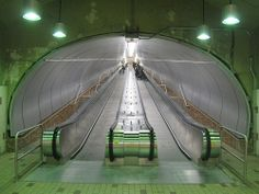 Montreal has the cleanest subway system I've ever seen. Metro Montreal, Montreal Travel, Montreal Ville, Montreal Quebec, Quebec City, Great Places, Places To See, Portal, Voyage Canada