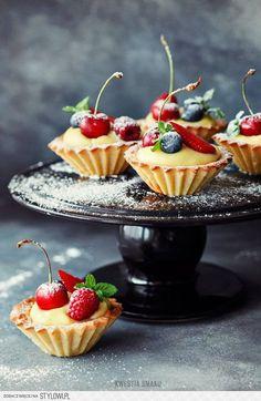 Vanilla Cream Tartlets with Berries Recipe