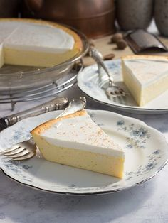 An easy low carb cheesecake recipe that is perfect for sugar-free and keto diets.  via @lowcarbmaven