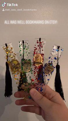 Diy Resin Art, Diy Resin Crafts, Fun Diy Crafts, Diy Art, Diy Resin Projects, Vinyl Projects, Handmade Crafts, Deco Harry Potter, Harry Potter Merchandise