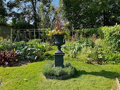 At Home on Clove Brook Farm with Christopher Spitzmiller - Quintessence Albert Hadley, Mario Buatta, Planting Bulbs, Four Seasons, Dahlia, Instagram Feed, Flower Arrangements, Outdoor Decor, Plants