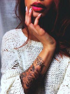 I love rose tattoos!